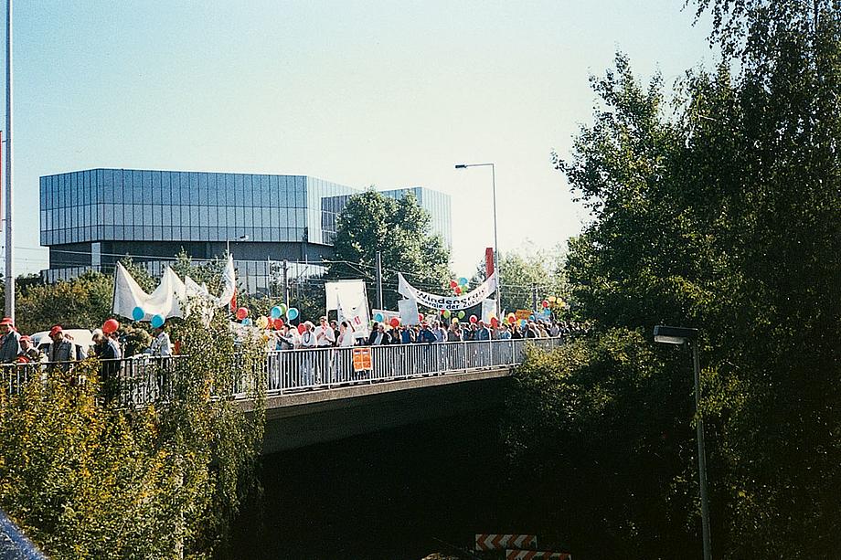Demonstration für den Erhalt des EEG in Berlin.